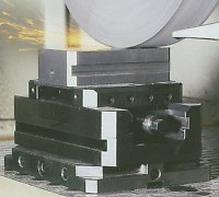 Using a CenterCompact vise and QuickPoint base plates, a workpiece can be moved from one machine to another without changing the workpiece home.